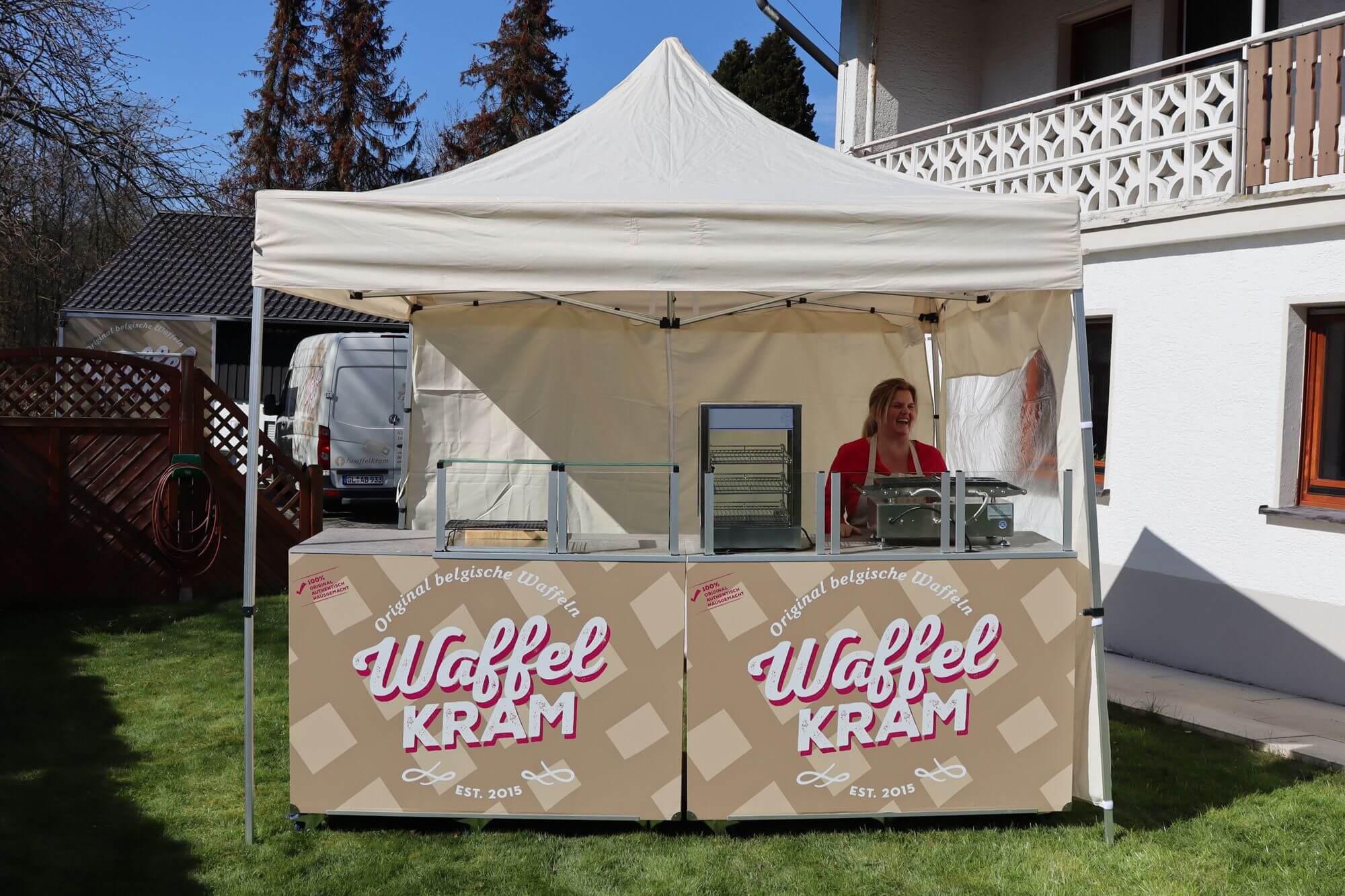 Waffelkram Mobile Theke Messecatering Live Cooking Station 1